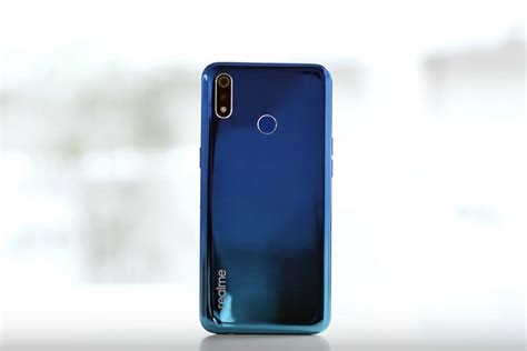 """Realme 3 First Impressions: The """"Real"""" Budget Phone? 