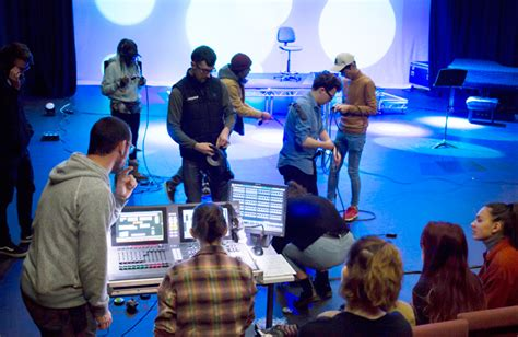 How to become a stage manager – training, courses
